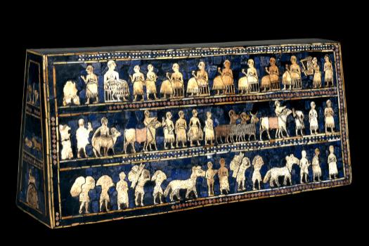 Het paneel van Ur, waarbij bitumen werd gebruikt op de schelpen en lapis lazuli vast te lijmen aan de houten kern. (www.teachinghistory.org)