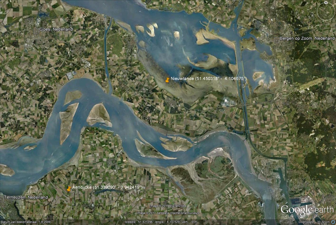 Detail van de Scheldemonding met aanduiding van Aendijcke en Nieuwlande (Google Earth).